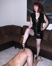 Mistress Sidney squirting and domination